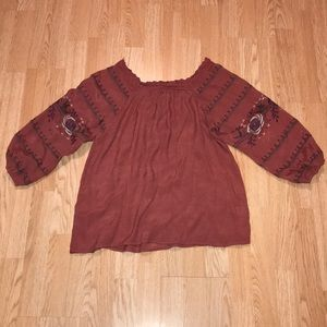 On or off shoulder rust colored top! EUC